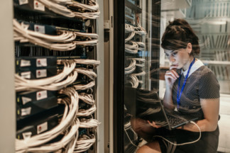 What Are The Benefits Of Working With An IT Company?